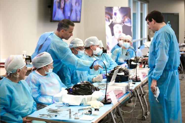 Aug-2015 Comprehensive Surgical Dental Implant Program