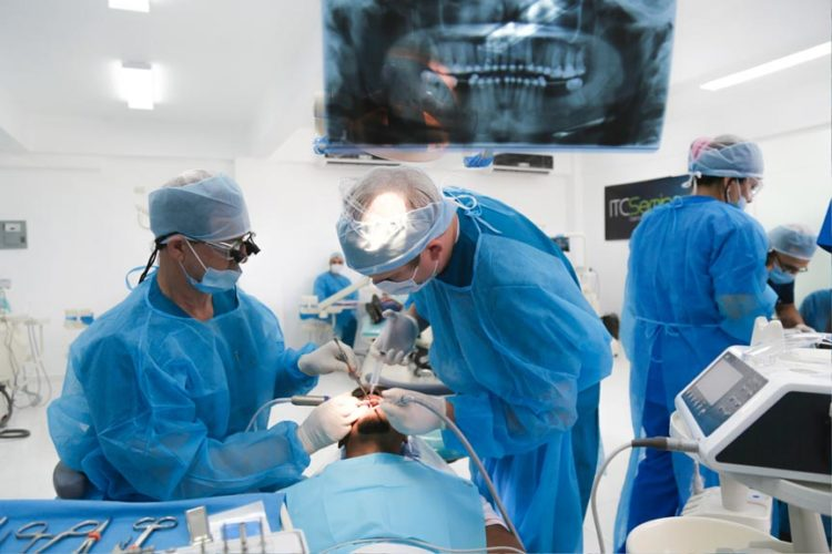 Nov-2015 Dental Implant Seminar - Live Patient Program