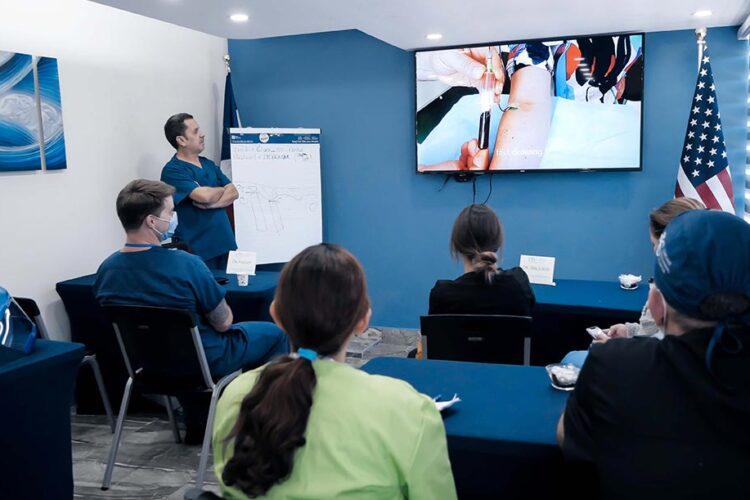 Dental Implant Seminars 2021-08 - Live Patient Program